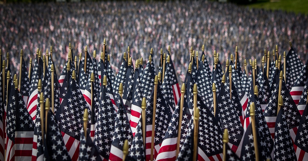 american-flags-2756185_1280